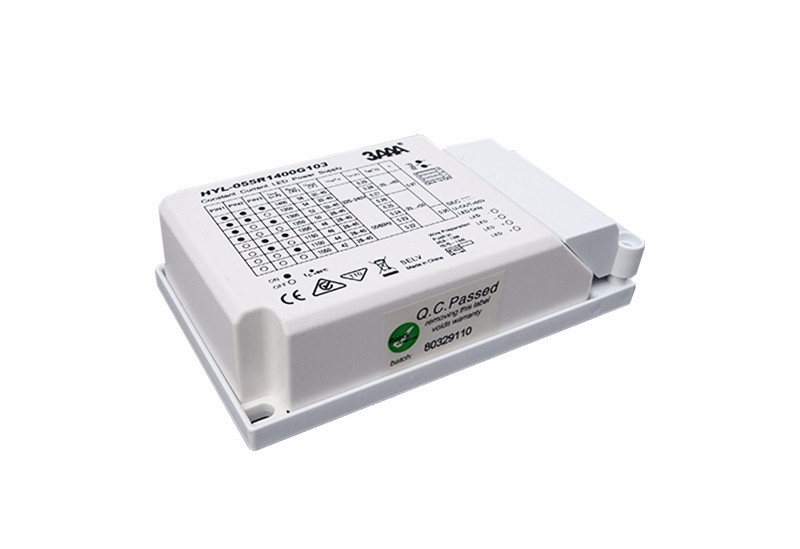 Standard-optional current independent type LED driver